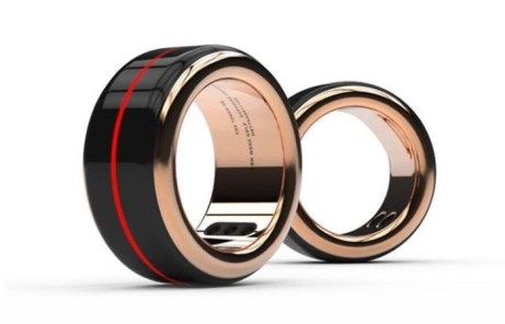 The-Touch-Ring-Lets-You-Feel-Your-Partners-Heartbeat-blaggando